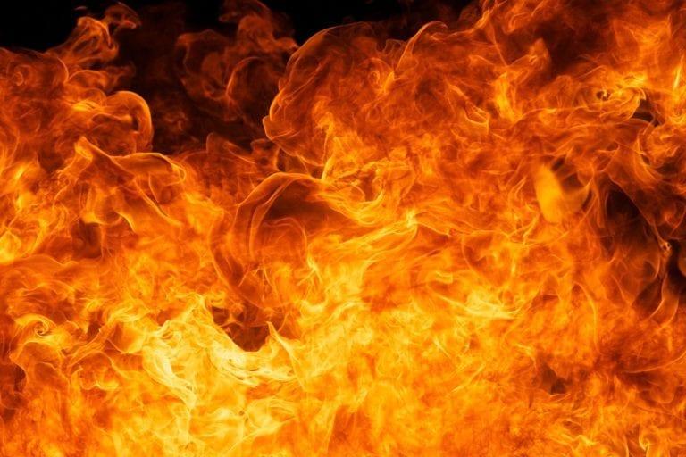 Thomasdamm – PKW brennt