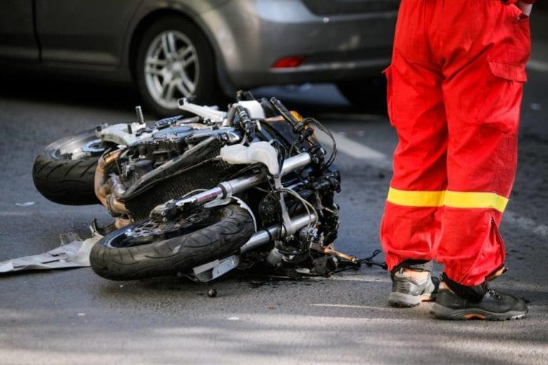 Motorradfahrerin bei Unfall in Trelde schwer verletzt
