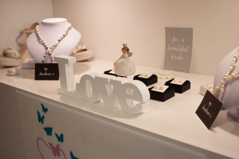 """""""Ich glaube an die Liebe"""" – Brautkleid-Shopping bei Curvy Bride Paradise"""
