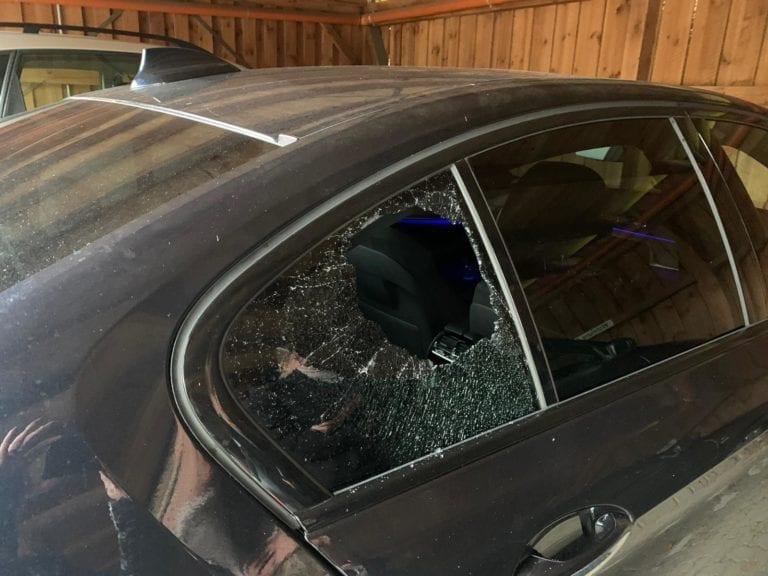 BMW im Röpersweg aufgebrochen