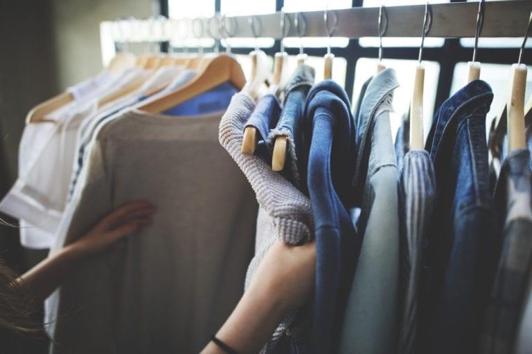 Tauschen statt wegwerfen: Kleidertauschparty in Buchholz